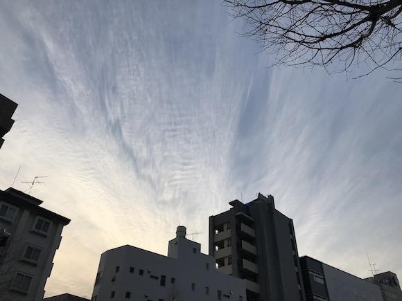 耀く雲.jpg